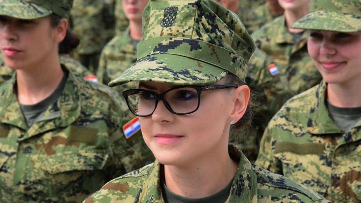 Da li ste podobni za služenje vojnog roka? Anketa